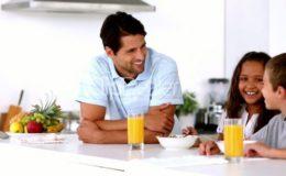 Baby-colazione-merednda-bambino-genitore-e1409127492937-696x392